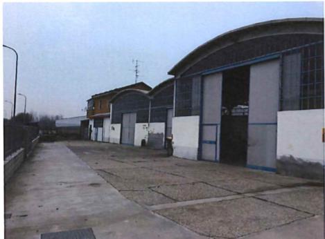 Capannone / Fondo - Industriale/Artigianale a Casale Monferrato Rif. 9854707