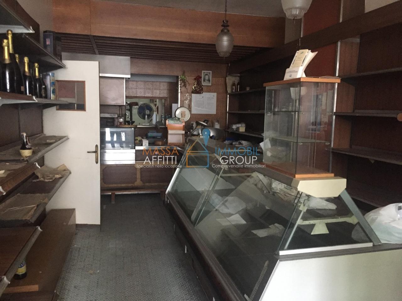 Locale commerciale - 1 Vetrina a Carrara Rif. 9412825