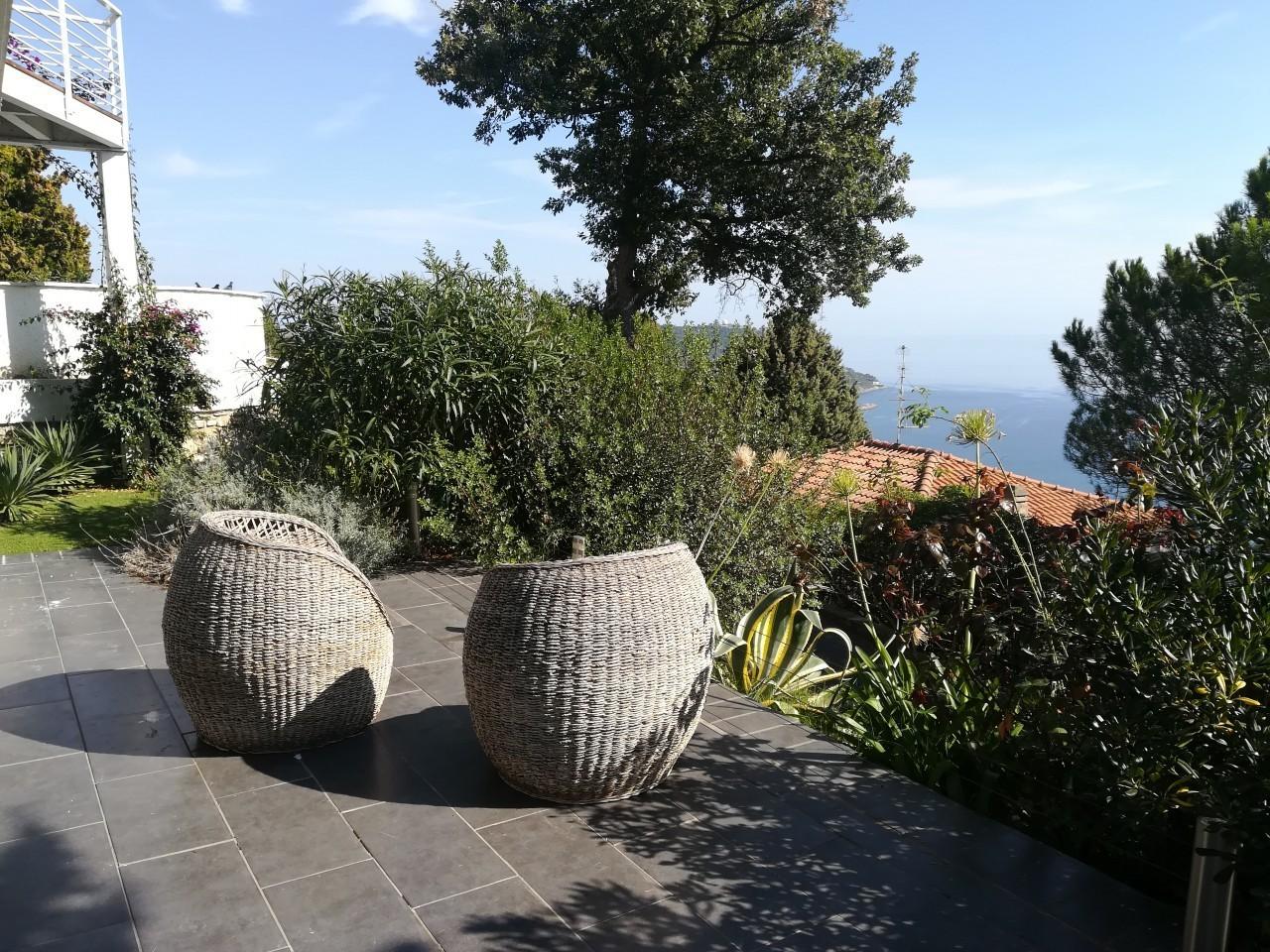 Villa indipendente ad Andora Borgo di Rollo AN01