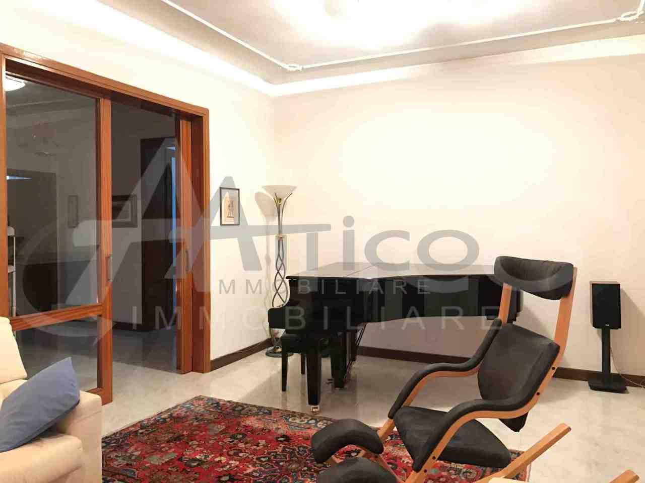 Villa in buone condizioni in vendita Rif. 4169641