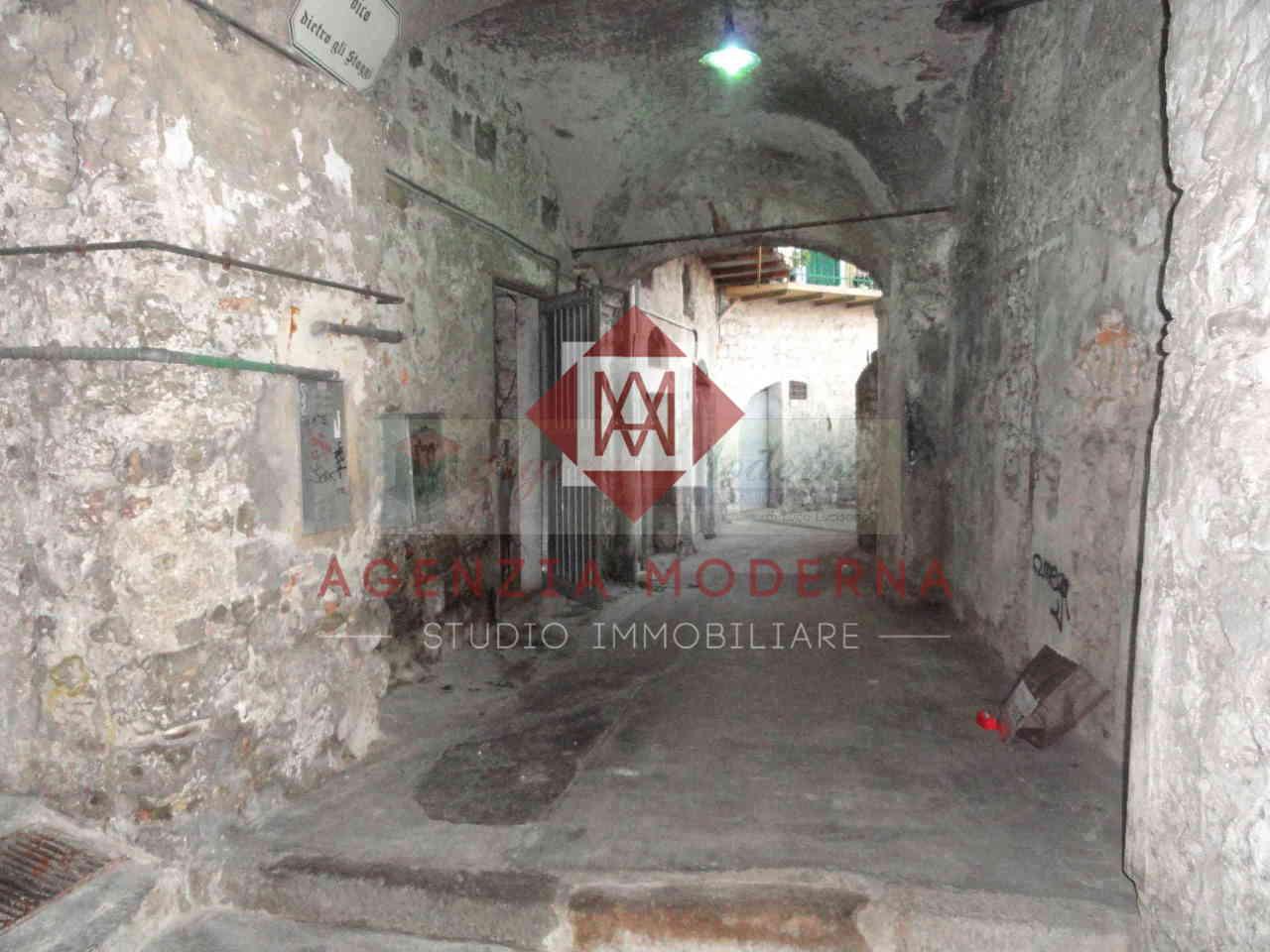 Capannone / Fondo - Magazzino a Ventimiglia Rif. 8908586