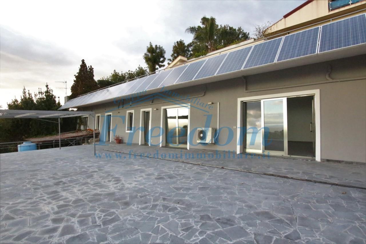 Casa Indipendente ristrutturato in affitto Rif. 9446052
