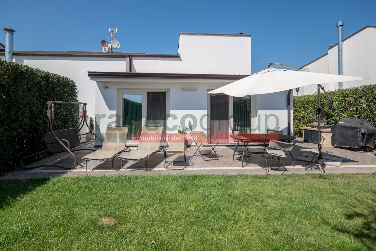 Villa in ottime condizioni in vendita Rif. 10570795