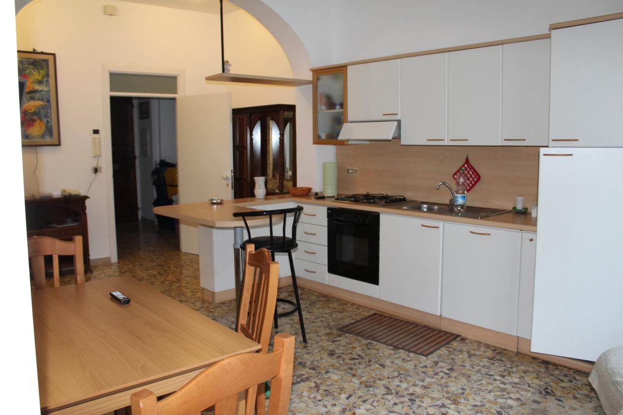 Appartamento da ristrutturare in affitto Rif. 8407345