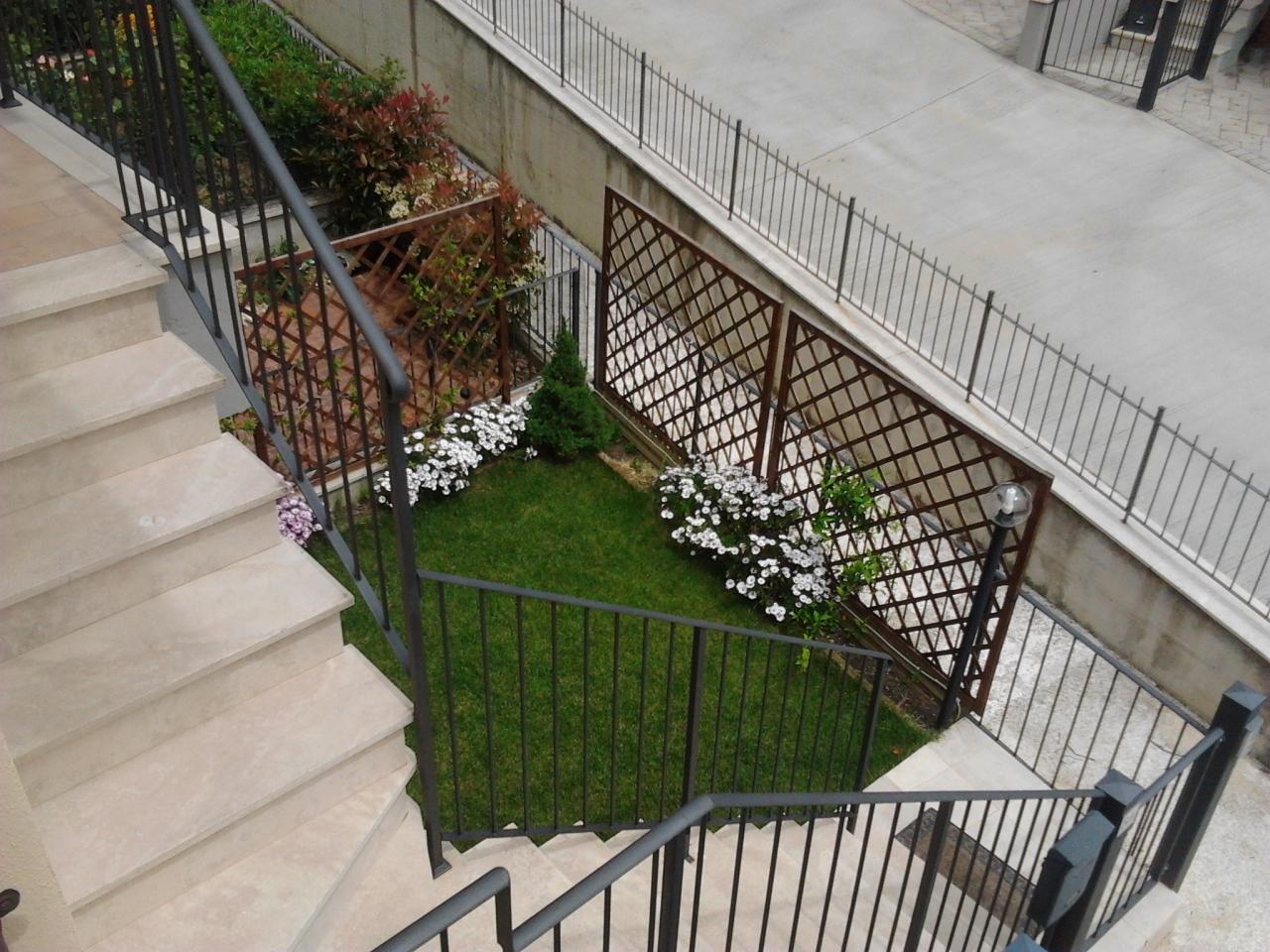 Appartamento in ottime condizioni in vendita Rif. 8226634