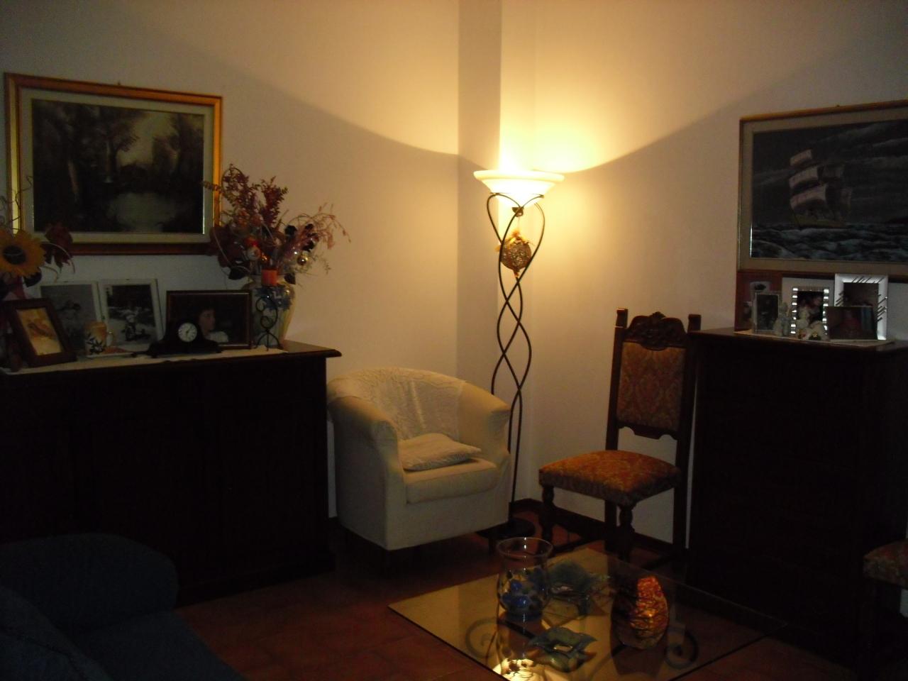 Appartamento in buone condizioni in vendita Rif. 8659100