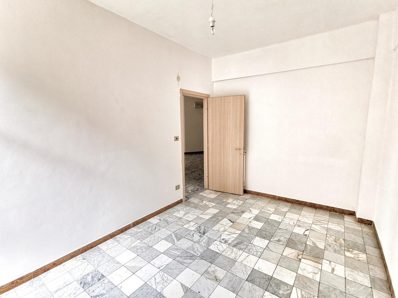 Appartamento in vendita a Albisola Superiore, 4 locali, prezzo € 170.000 | PortaleAgenzieImmobiliari.it