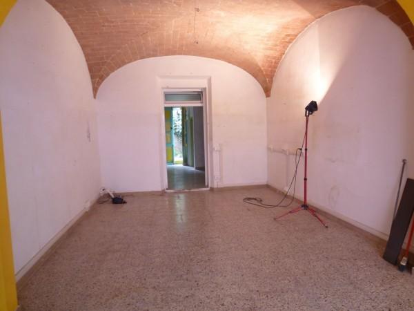 Locale commerciale - 1 Vetrina a Cecina Rif. 9358112