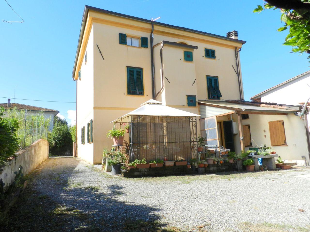 Villa da ristrutturare in vendita Rif. 11216945