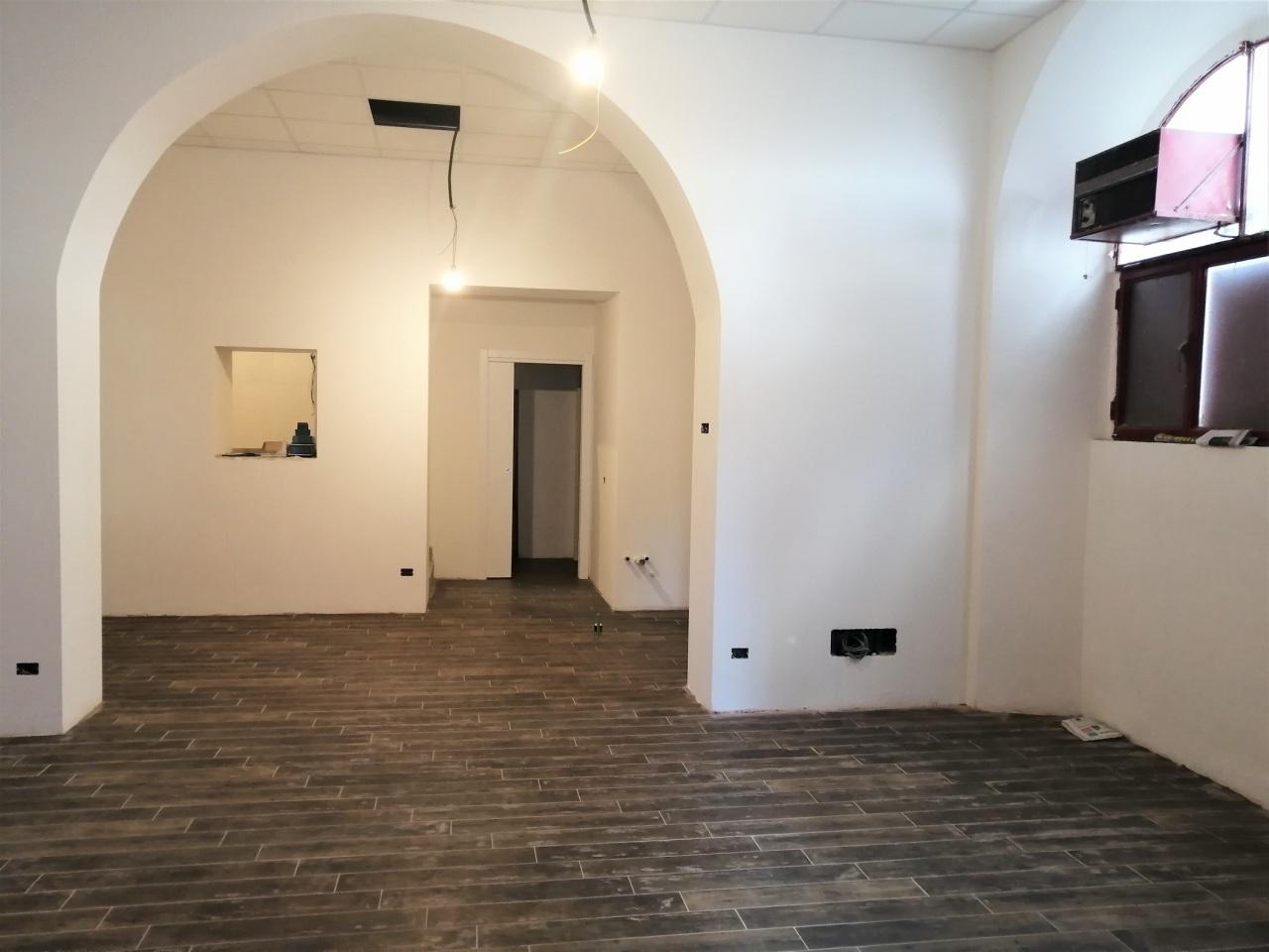 Locale commerciale - 2 Vetrine a Grottaferrata Rif. 12178309