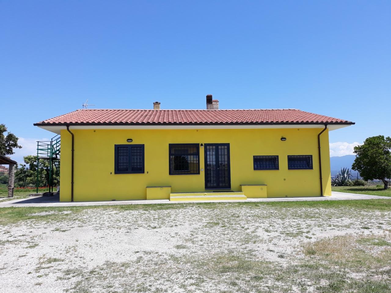 Villa ristrutturato in vendita Rif. 10735102