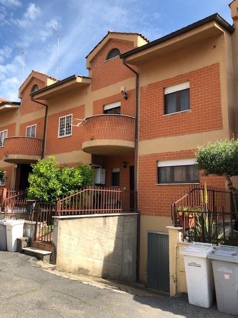 Villetta a schiera in vendita Rif. 10175021