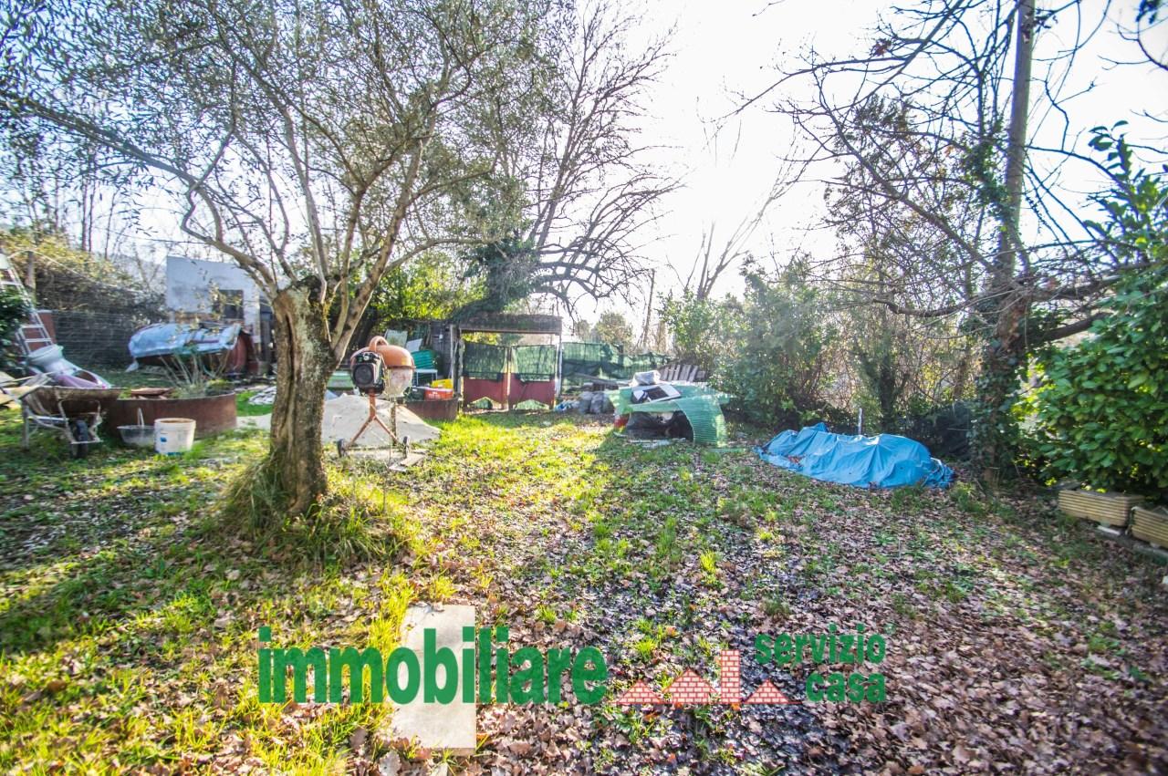Agricolo - Bosco a Castel Madama Rif. 11034199