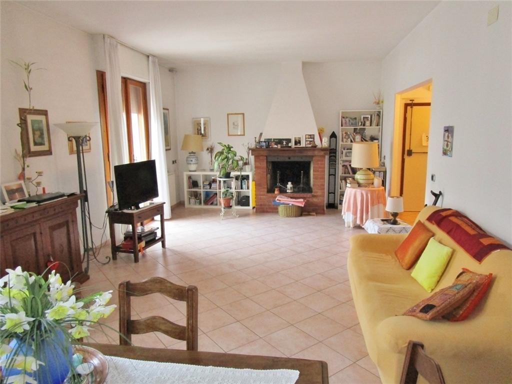 Appartamento in vendita a Scarperia e San Piero, 5 locali, prezzo € 190.000 | PortaleAgenzieImmobiliari.it