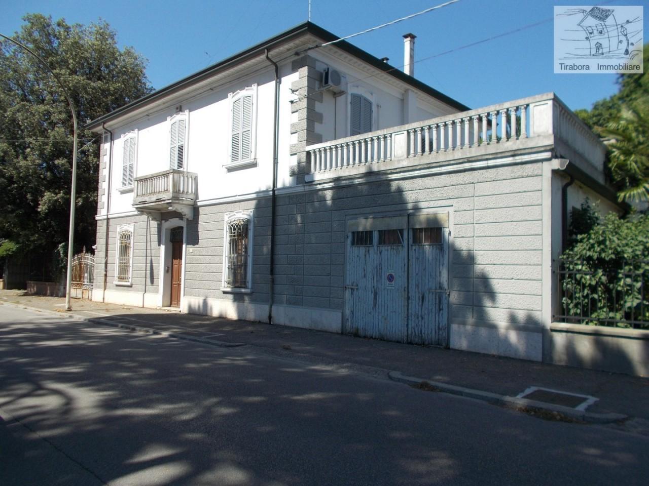 Villa in buone condizioni in vendita Rif. 10949887