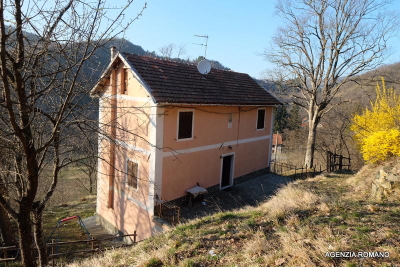Rustico / Casale in vendita a Urbe, 9 locali, prezzo € 80.000 | PortaleAgenzieImmobiliari.it