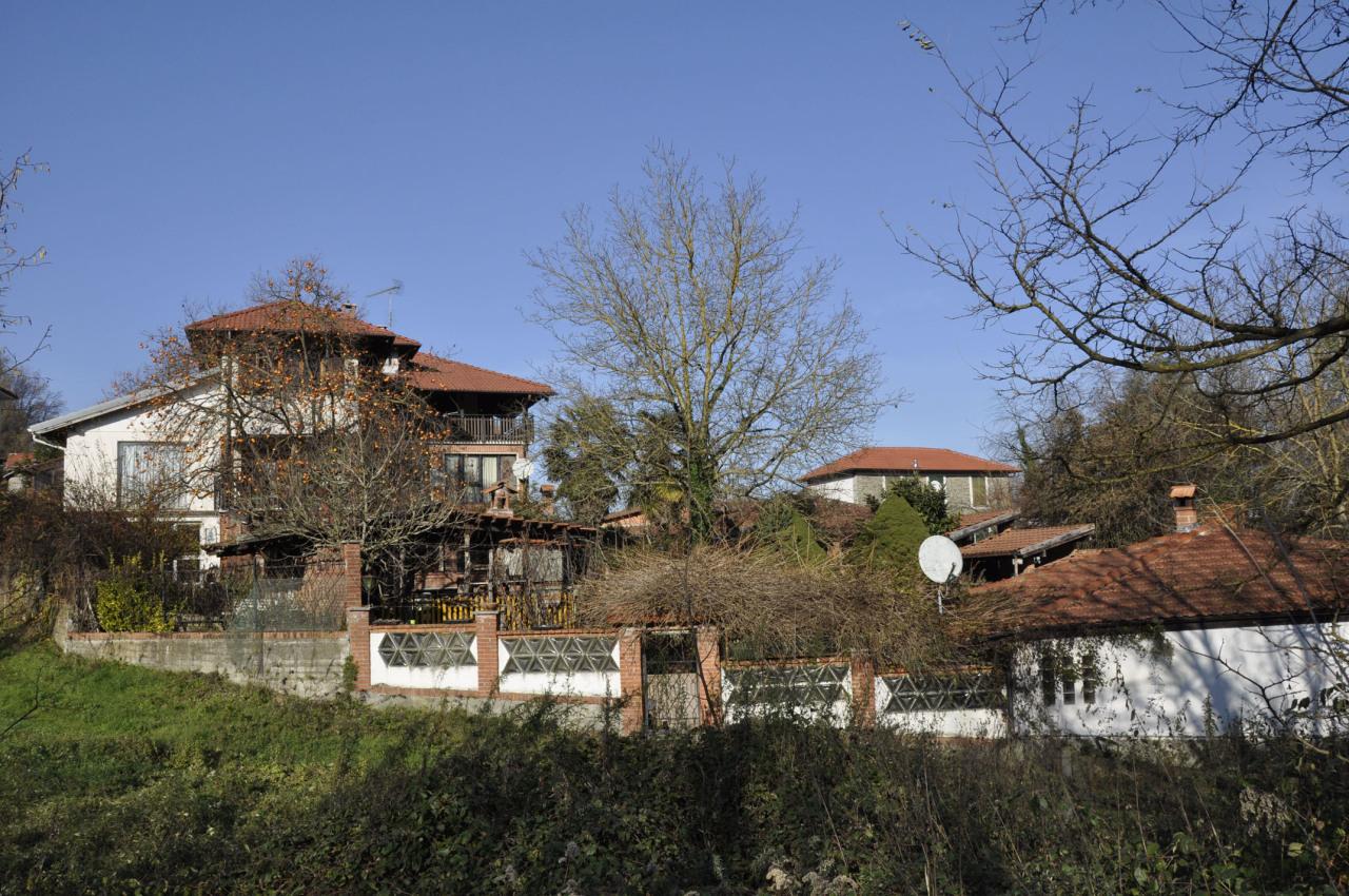 Rustico / Casale in vendita a Ponzone, 16 locali, prezzo € 185.000 | PortaleAgenzieImmobiliari.it