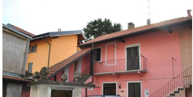 Porzione di casa da ristrutturare in vendita Rif. 11168052