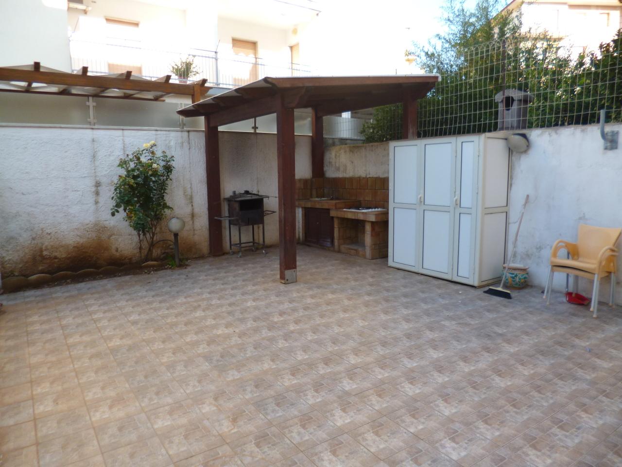 Casa Indipendente in ottime condizioni arredato in affitto Rif. 4165989