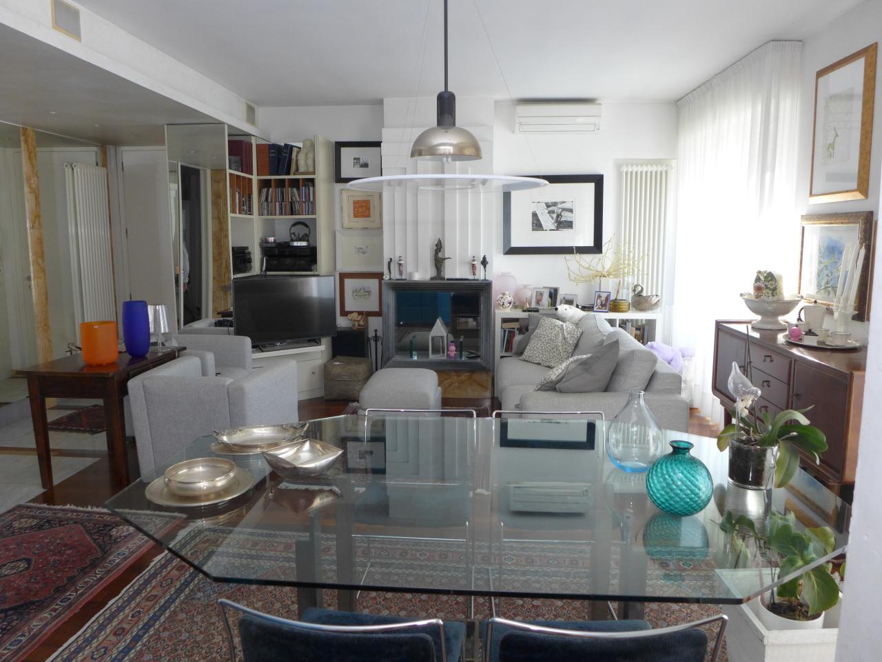 Porzione di casa in buone condizioni in vendita Rif. 9863576