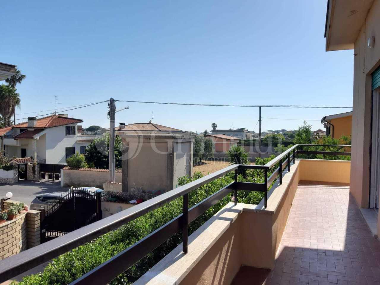 Appartamento in buone condizioni in affitto Rif. 10538268