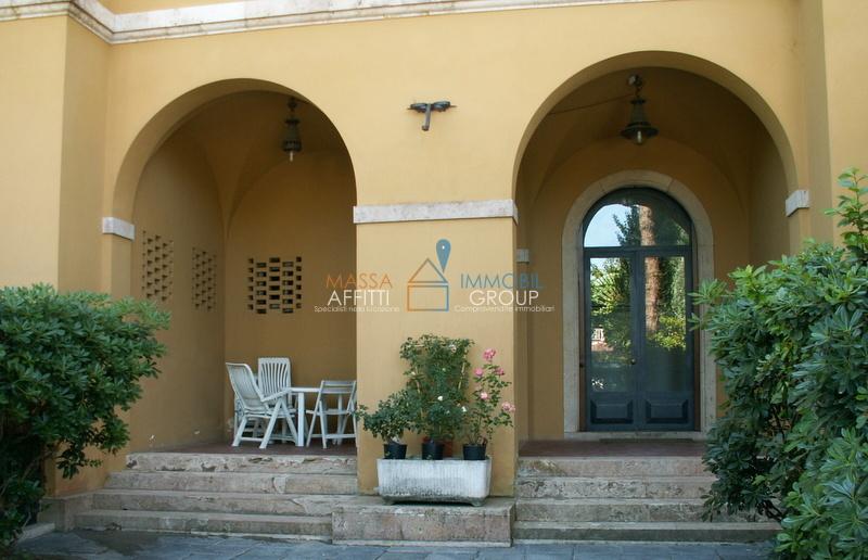 Appartamento in buone condizioni in affitto Rif. 8170174