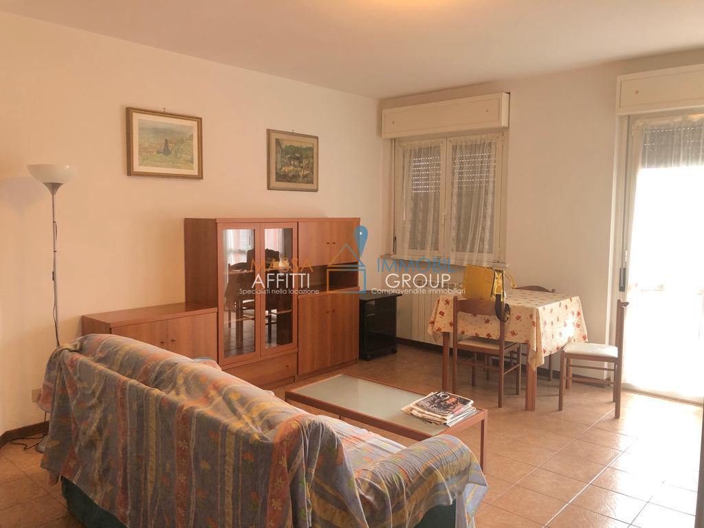 Appartamento in buone condizioni arredato in affitto Rif. 9957775