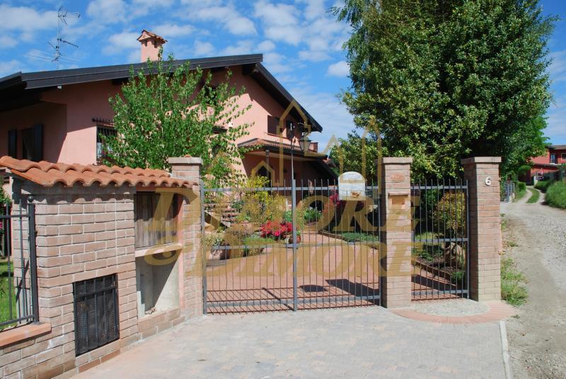 Villa in vendita a Borgo Ticino, 5 locali, Trattative riservate | CambioCasa.it