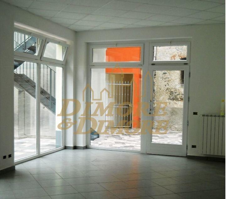 Ufficio / Studio in affitto a Verbania, 1 locali, prezzo € 850 | CambioCasa.it