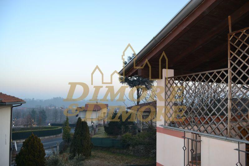 Villa in Vendita a Paruzzaro