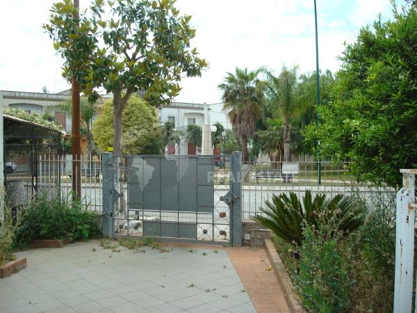ABITAZIONE CON GIARDINO, Guagnano (LE)