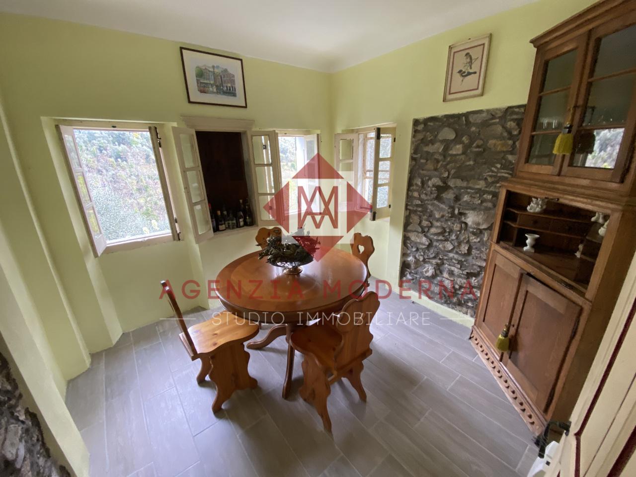 Appartamento in vendita a Castel Vittorio, 3 locali, prezzo € 75.000 | PortaleAgenzieImmobiliari.it