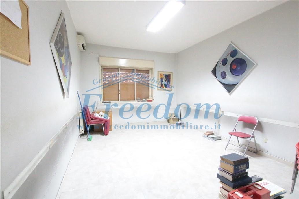 Appartamento in buone condizioni in affitto Rif. 10339359