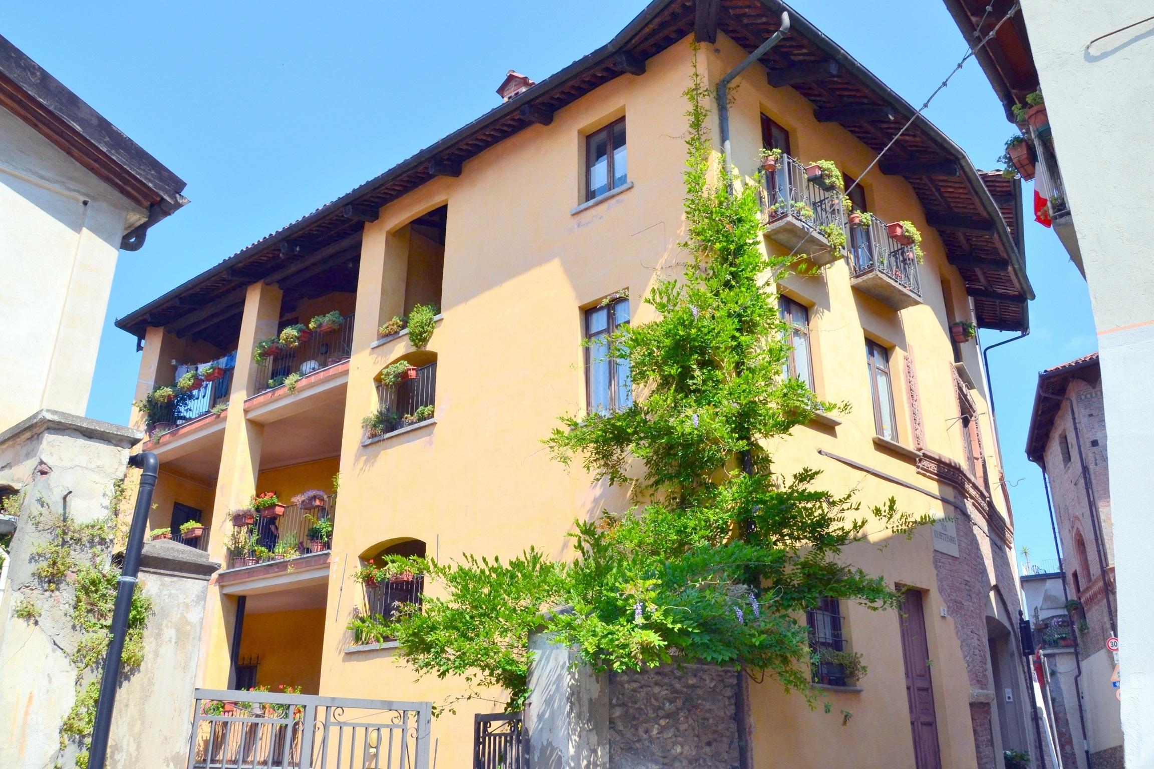 Avigliana, centro storico. Esclusivo appartamento con terrazzo