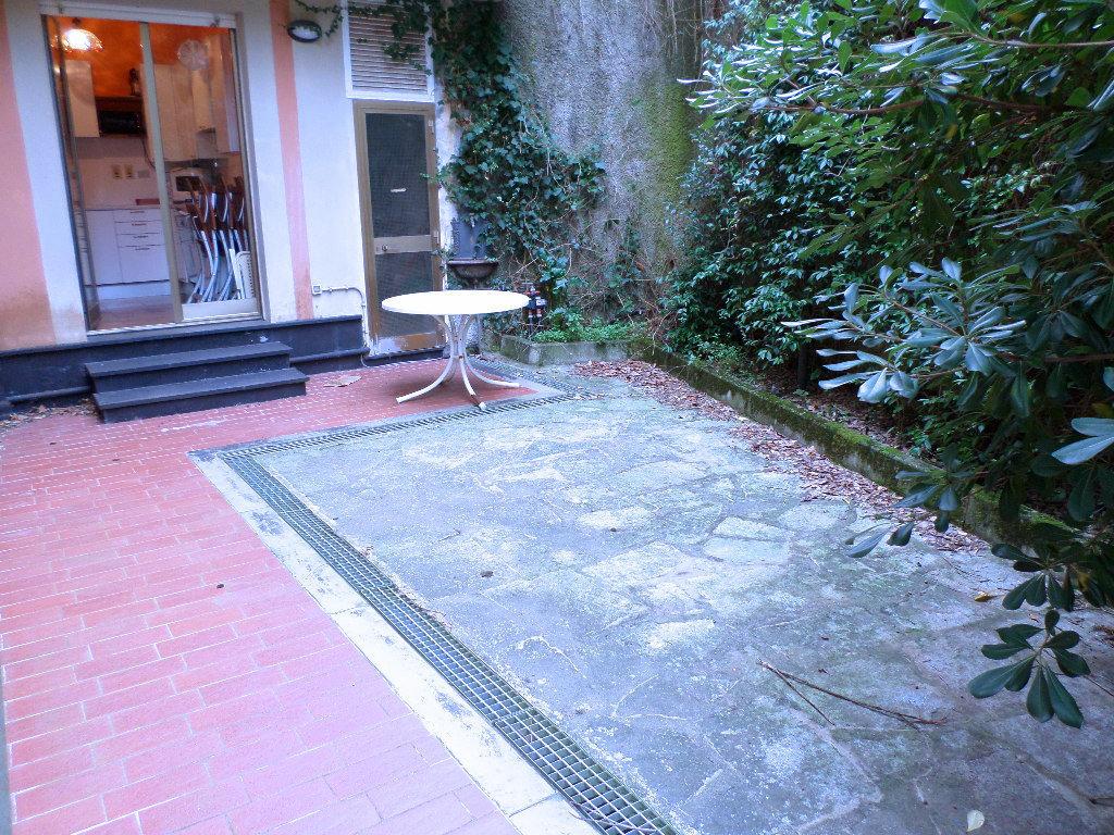 Appartamento in buone condizioni in vendita Rif. 9541098