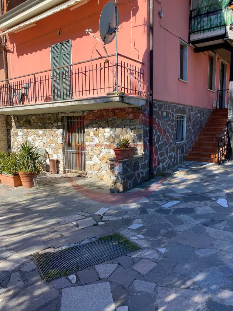 Appartamento in affitto a Sarzana, 5 locali, prezzo € 600 | CambioCasa.it