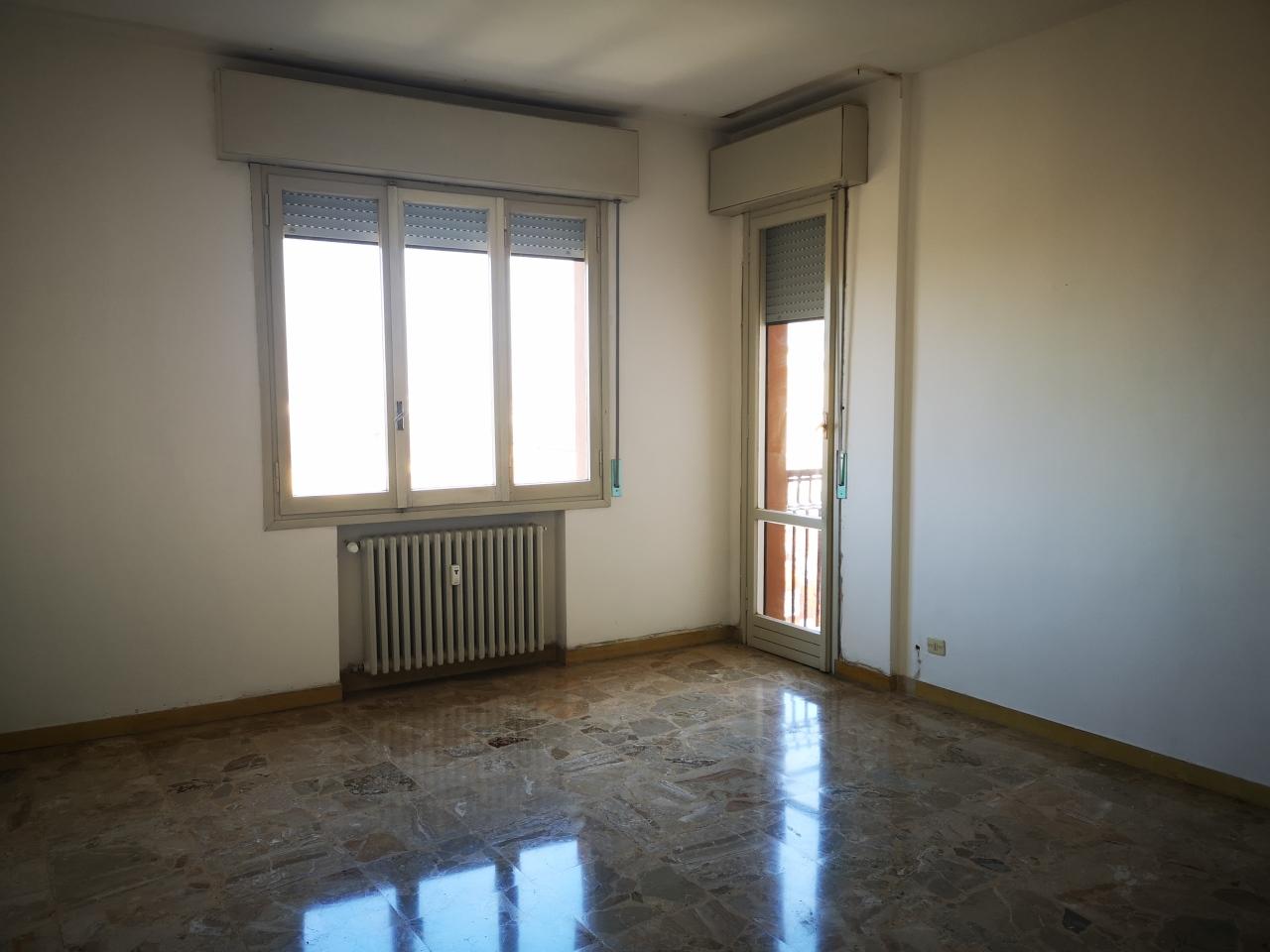 Trilocale da ristrutturare in vendita Rif. 9594234