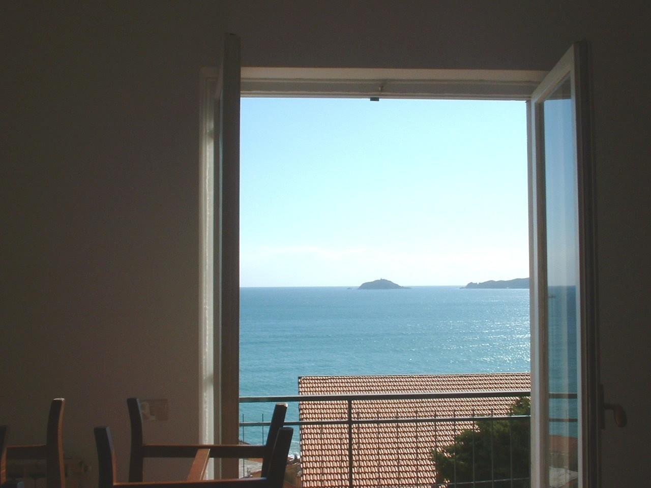 Appartamento in ottime condizioni in vendita Rif. 9343491