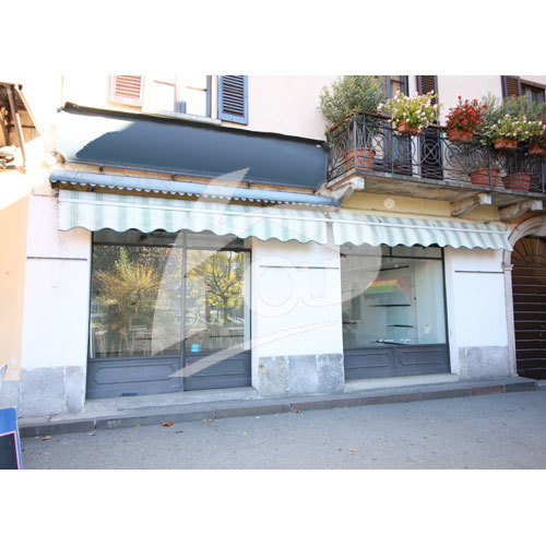 Negozio / Locale in affitto a Laveno-Mombello, 2 locali, prezzo € 750 | PortaleAgenzieImmobiliari.it