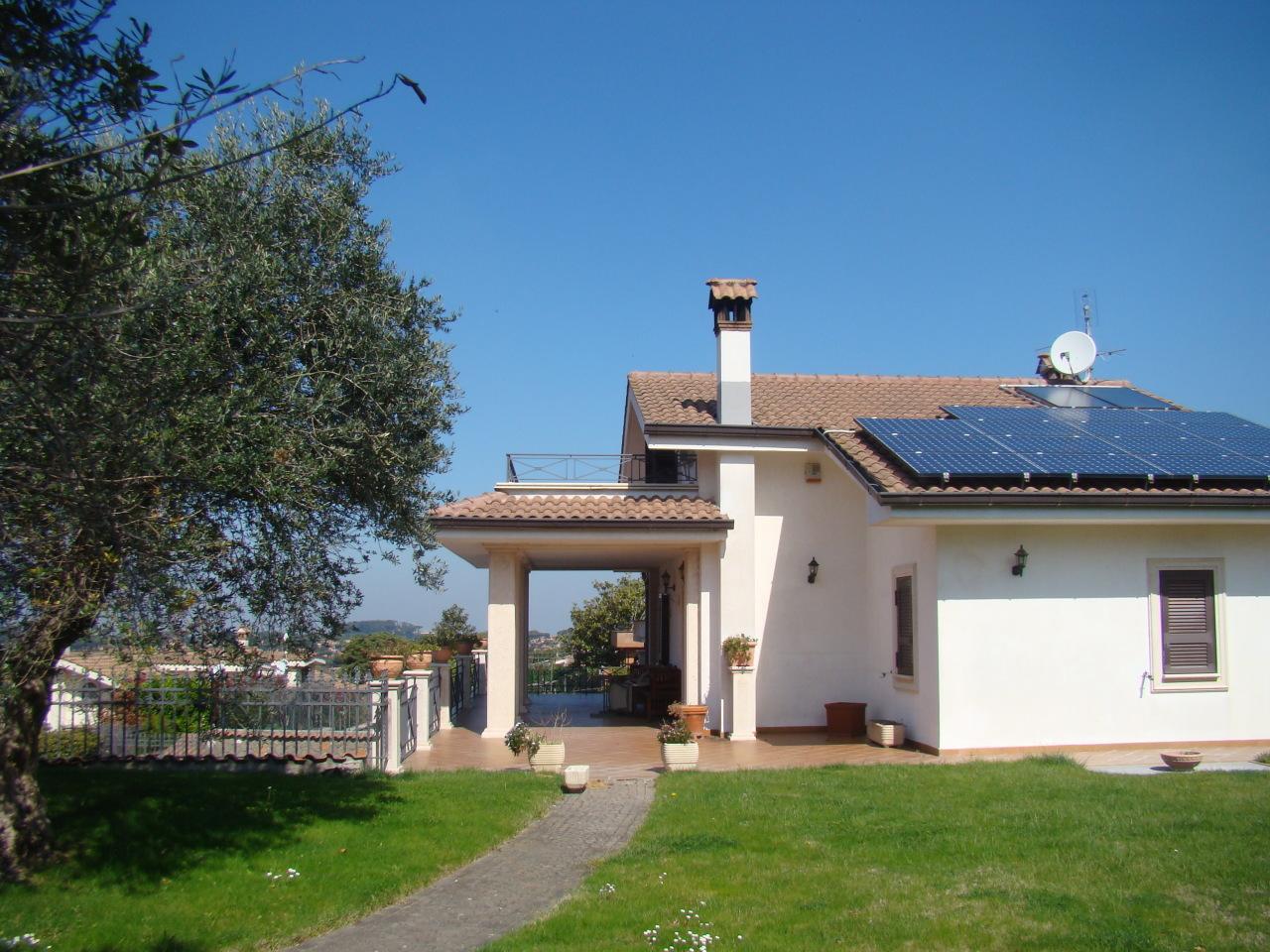 Villa in ottime condizioni in vendita Rif. 10570820