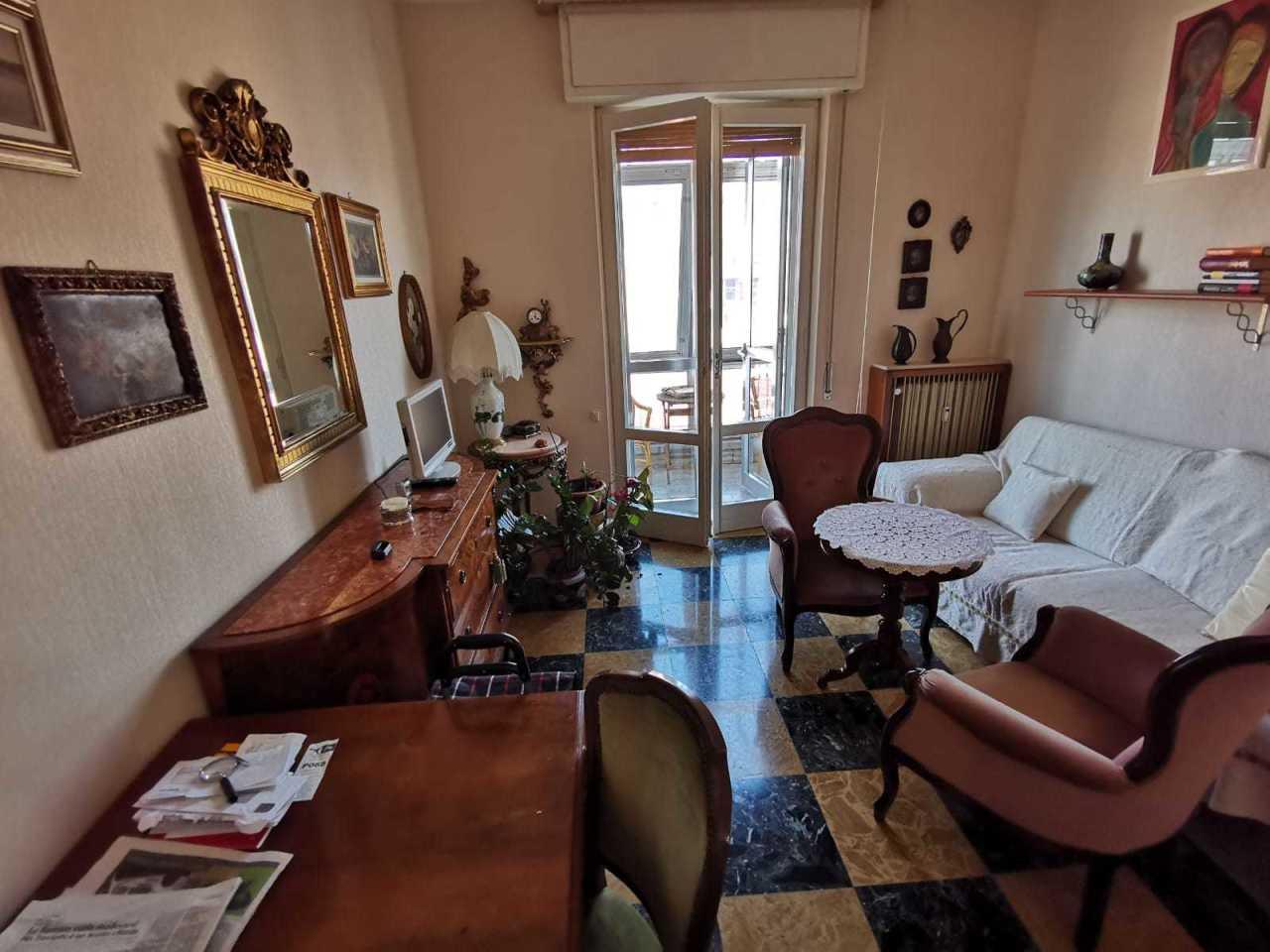Appartamento in buone condizioni in affitto Rif. 9841473