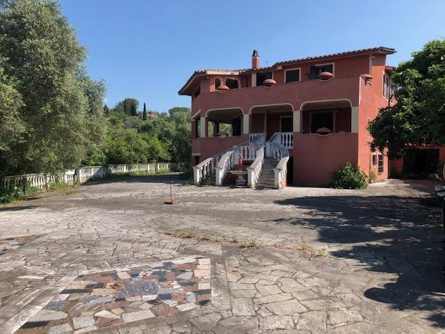 Villa in buone condizioni in vendita Rif. 10175034
