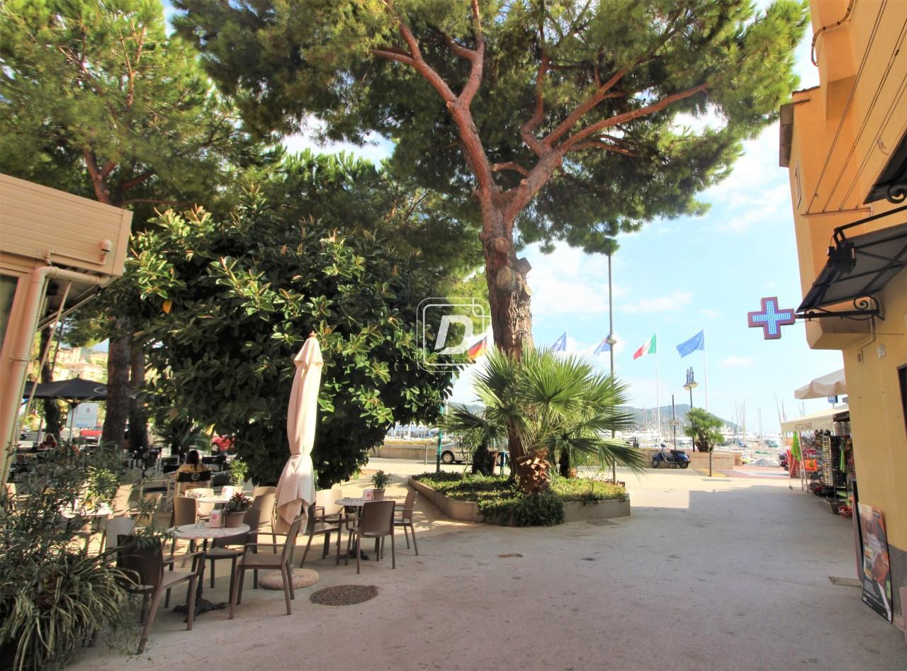 Magazzino in vendita a Imperia, 2 locali, prezzo € 126.000 | PortaleAgenzieImmobiliari.it