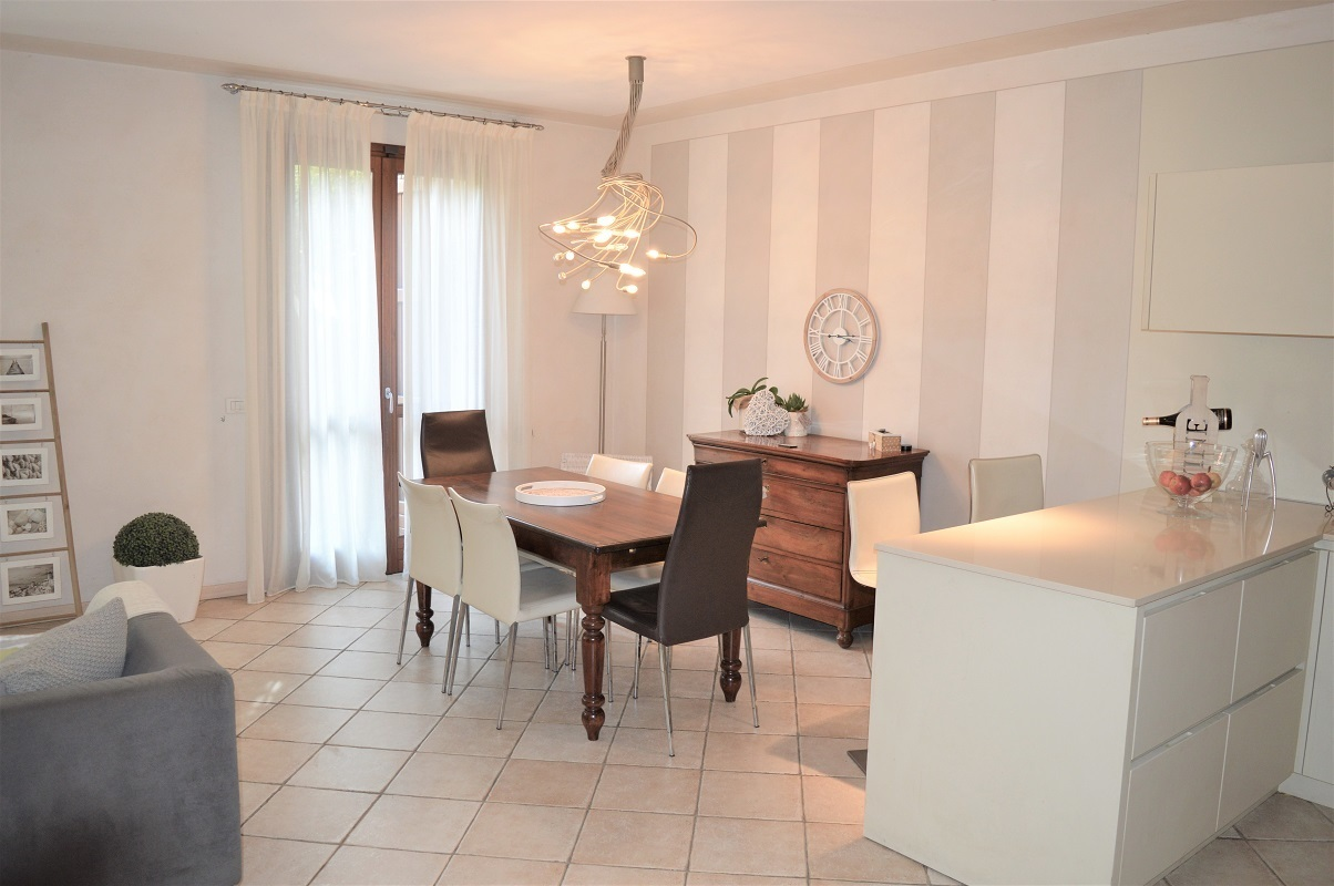 Villetta a schiera in ottime condizioni in vendita Rif. 11983749