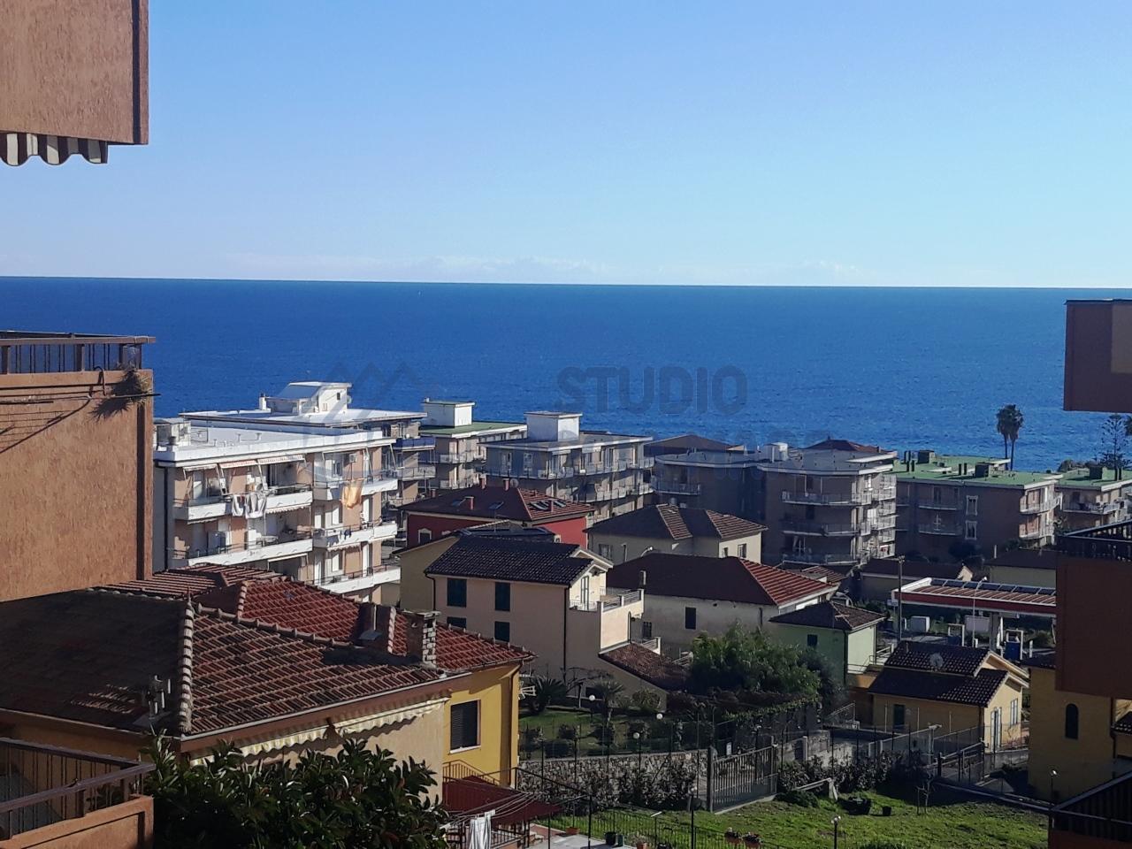 Appartamento in vendita a Santo Stefano al Mare, 2 locali, prezzo € 170.000   CambioCasa.it
