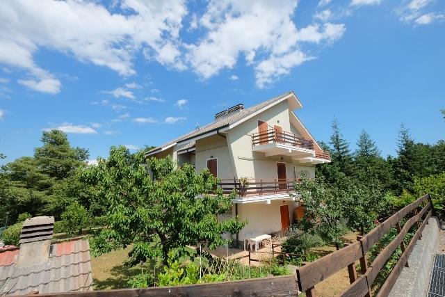 Appartamento in buone condizioni in vendita Rif. 4165439