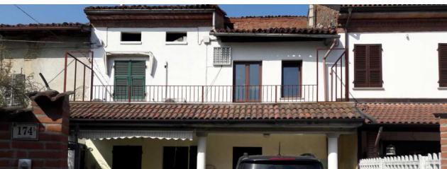Porzione di casa in discrete condizioni in vendita Rif. 11440461