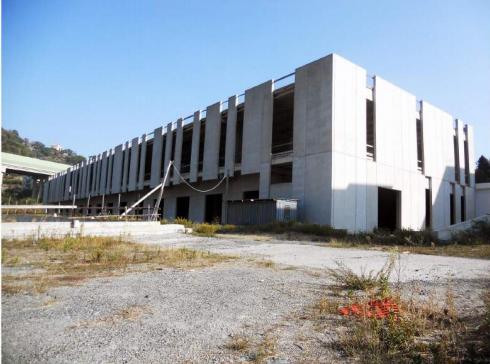 Capannone / Fondo - Industriale/Artigianale a Savona Rif. 12373042