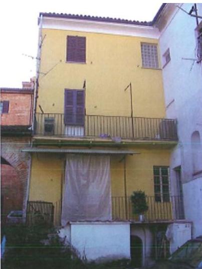 Porzione di casa da ristrutturare in vendita Rif. 9566199