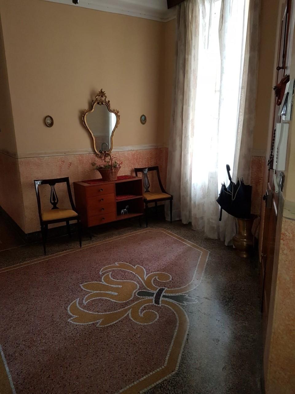 Appartamento in buone condizioni in vendita Rif. 10297811